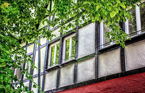 What are the best ways to clean exterior windows?